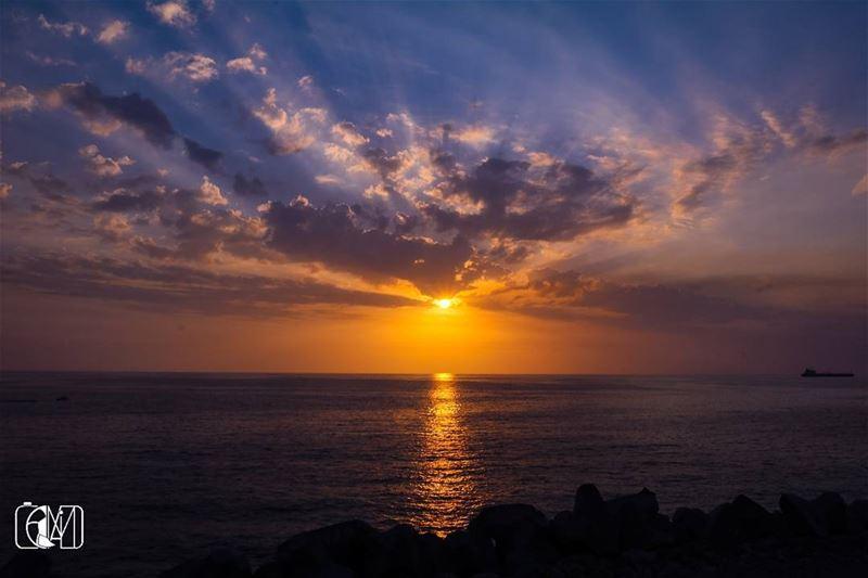 goldensun Sunset Sunsetporn Sky SkyLover skylovers sea🌅 GoldenSea...