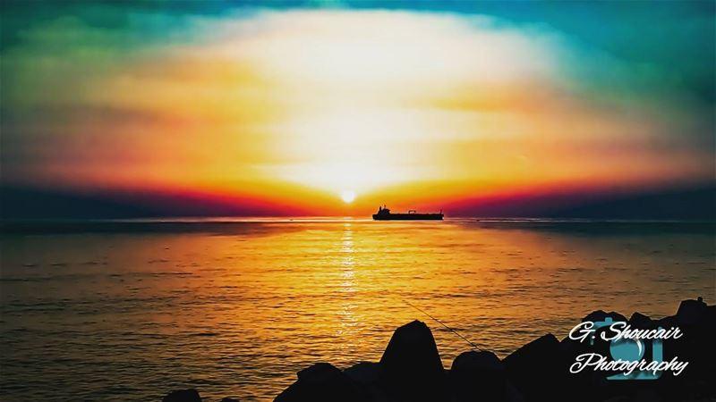 A colorful amazing sunset______🔴⚪⚪🌲⚪⚪🔴_______ gshoucairphotography ... (Nahr al-Kalb)