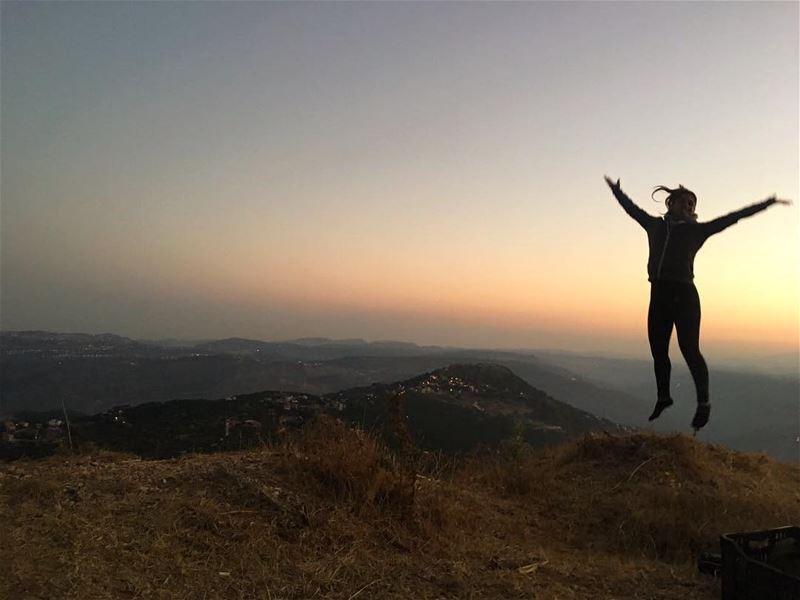 ~..Lust for Life..~ 🤸🏽♀️🎒 lustforlife thewayyouread thewayyoufeel ... (Jezzîne, Al Janub, Lebanon)