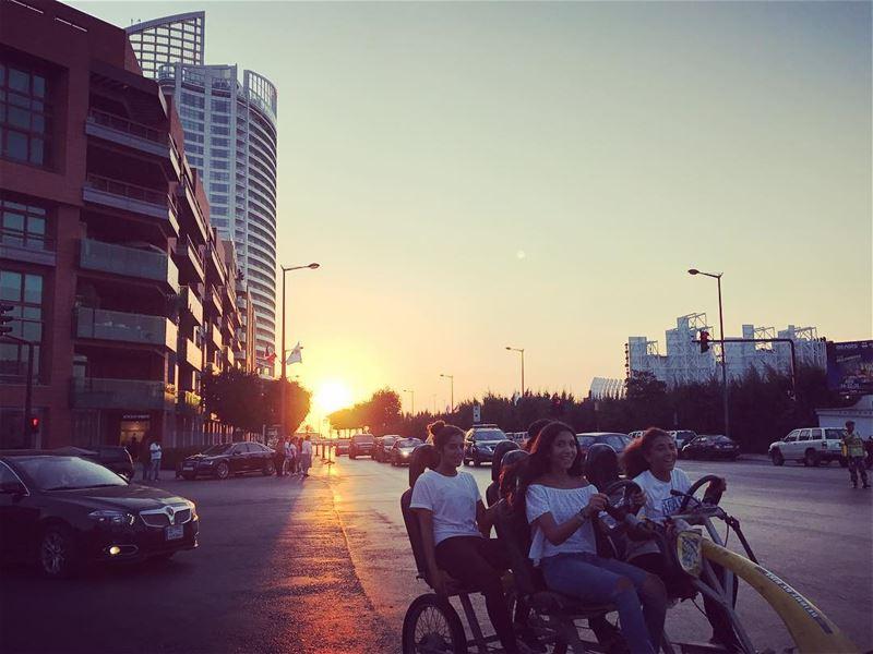~..Girls Just wanna have Fun..~ 🤸🏽♀️🏵 lustforlife thewayyouread ... (Biel Beirut Outdoors)