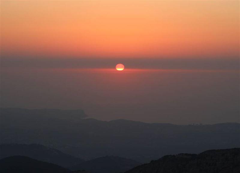 From 1700m height! sunset_ig sunsetlove sunset livelovelebanon ... (Ehden, Lebanon)