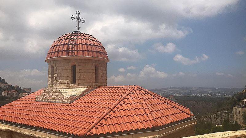 🌥🇱🇧 home view lebanonhouses cross worldwide pray faith love ... (North Governorate)
