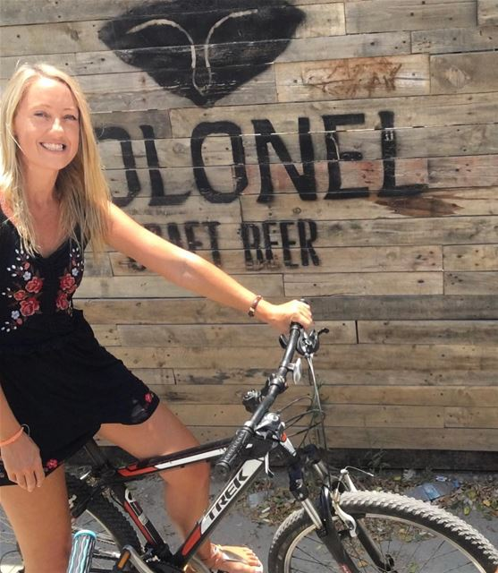 Smile 🚲 💚.. keepdiscovering .. lucyinlebanon👱🏻♀️🇱🇧💚 (Colonel Beer Brewery)