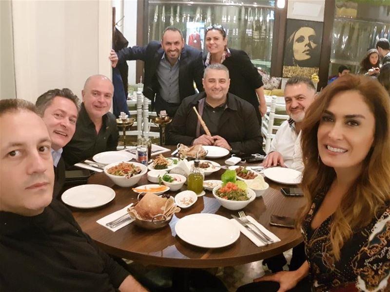 الدار بيجمع الكلّ ...نوّرتوا الدار🌟✨ lebaneserestaurant lebanesefood... (Dar El-Gemmayzeh)