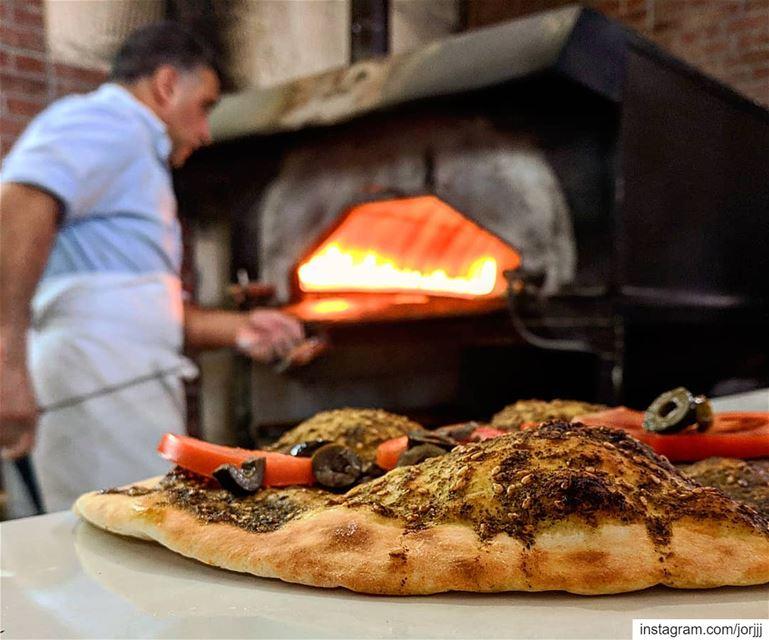 فرن ابو الزوز... breakfast man2ouche lebanesebreakfast ... (Faraya, Mont-Liban, Lebanon)