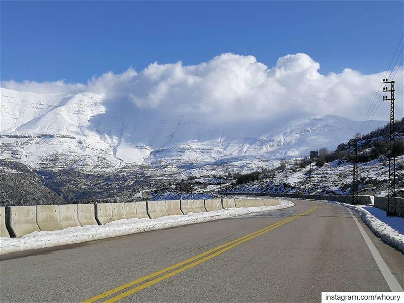 2019 welcometo2019 sanine snow cold niceview niceweather mobileshot... (Mount Sannine)