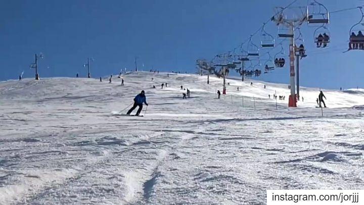 In Your face ❄🥶🥴 BAAAMMM ski slowmotionvideo Slowmotion skimoment... (Faraya Kfardibiene)