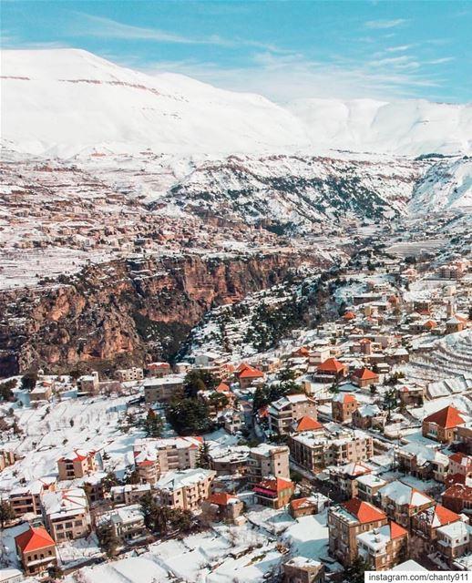 Lebanon north hasroun exploreeverything explorecreate instaphoto ... (Hasroûn Ej Jdîdé, Liban-Nord, Lebanon)