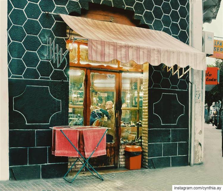 saturday haircut vintage retro livelovemarmikhael livelovebeirut ... (Beirut, Lebanon)