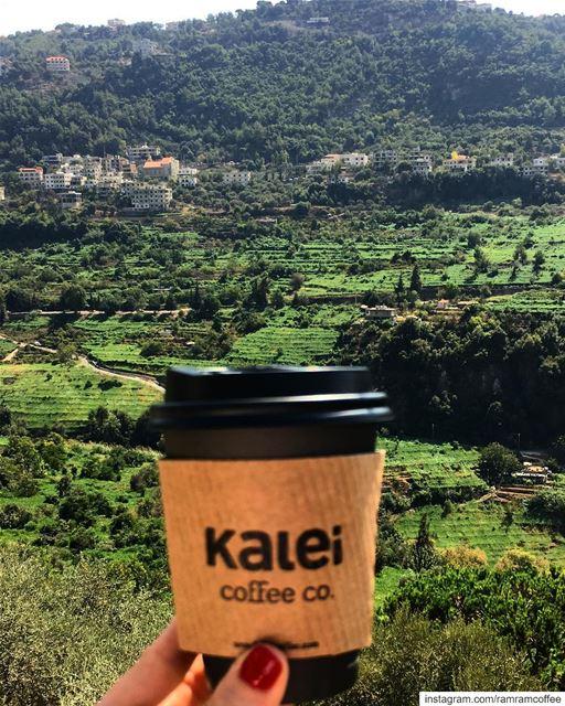 في قلبي فيروز صغيرة تشرب معي فنجان قهوتي وتغني لك بعدك على بالي..... (Mount Lebanon Governorate)