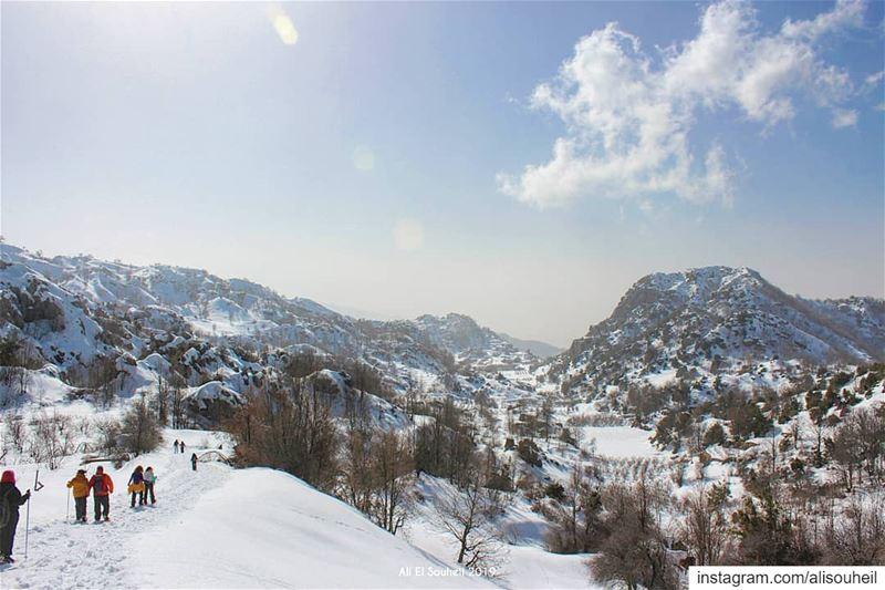 tb ehmej mountlebanon snoe snowshoeing sky clouds mountains ... (Ehmej, Mont-Liban, Lebanon)