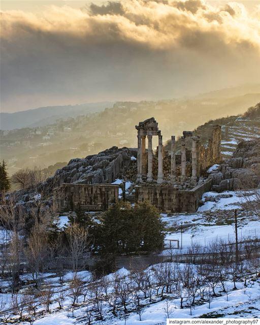 Faqra Roman ruins - The golden hour - Fog and mist created unique colors... (Fakra Kfarzebian Liban)