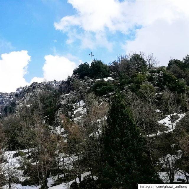 والشتي مش حابب يتركنا ويروح.. 🌲❄️... (Mount Lebanon Governorate)