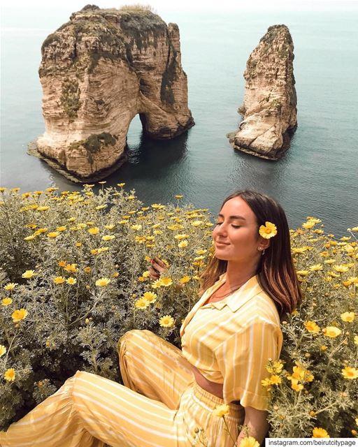 صخرة الروشة بيروت - Beirut Raouche jounieh byblos lebanon liban ...