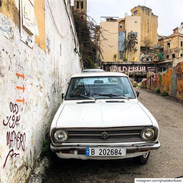 Old beirut matters!..... oldisgold vintage datsun street ... (Achrafieh, Lebanon)