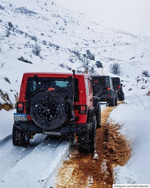 lebanon jeeps mountains jeep offroad wrangler snow jeeplife ... (Jord el Aaqoûra)