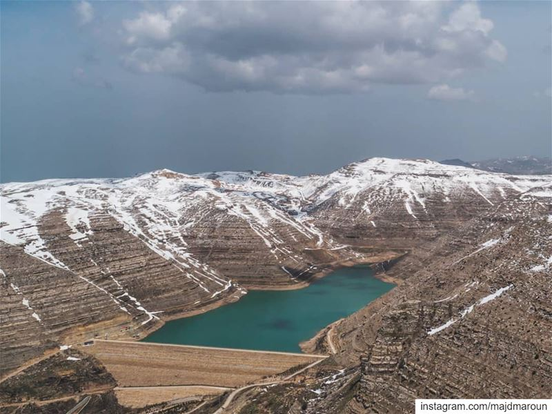 Last snow days❄🚁••• drone dji dronestagram dronephotography ... (Chabrouh Dam)