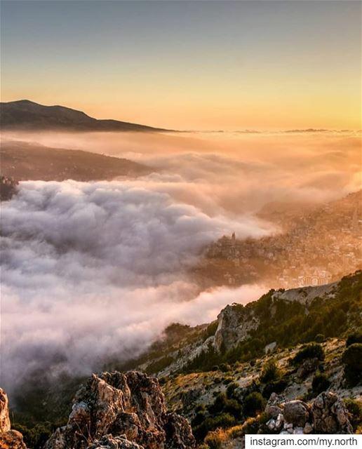 Good morning by @alexander_photography97 --------------------------------- (Bcharreh, Liban-Nord, Lebanon)