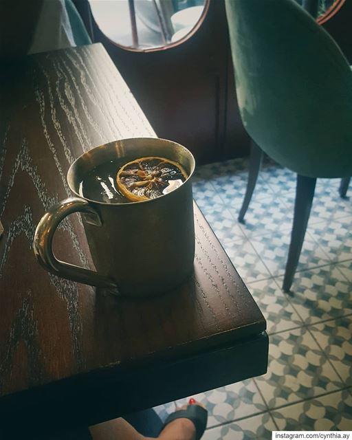 Sunday mood 🍸 sundaymood tomorrowismonday pub drinks vintage retro ... (Central Station Boutique Bar)