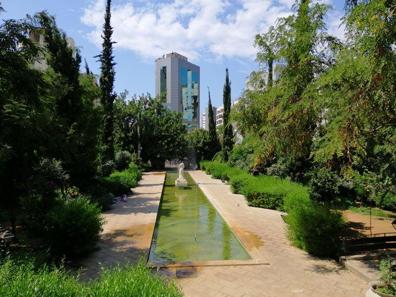 A Walk in Beirut (Jemmayze, Mar Mikhael, Achrafieh) on Sunday Morning
