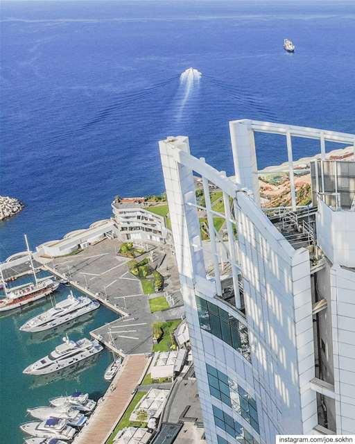 Fresh air at altitude @level26beirut fsbeirut 🇱🇧............ (Four Seasons Hotel Beirut)