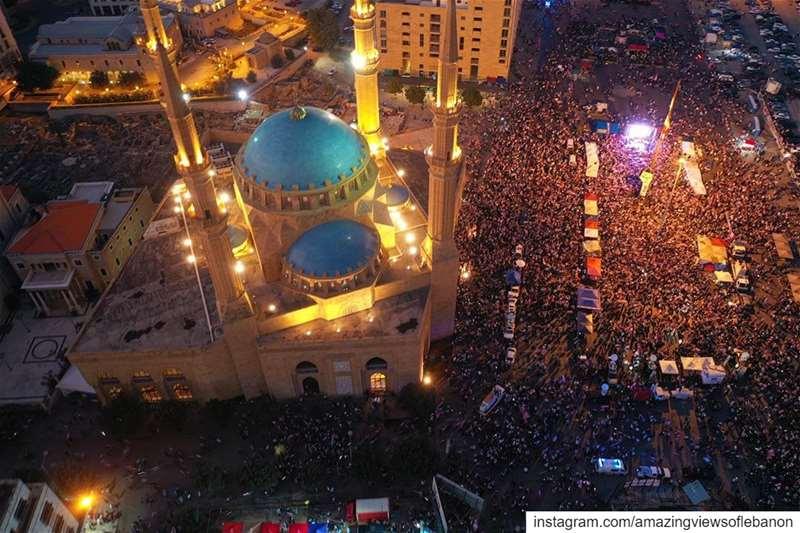 الشّعب يريد إسقاط النّظامGuys the revolution is neither done nor dead... (Martyrs' Square, Beirut)