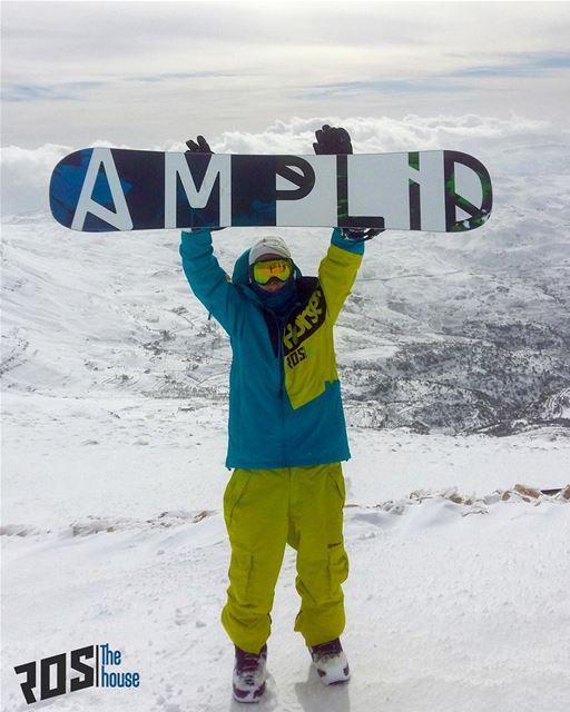Power to the board 🙌🏼 rosthehouse snow snowboard snowboarding ride... (Mzaar Kfardebian Ski Resort.)
